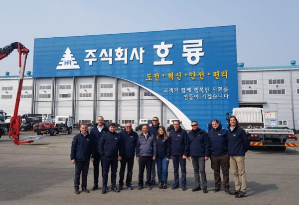 A report by Rafa Cerezo, our guest in Korea at Horyong, to discover the Horyong moving elevators